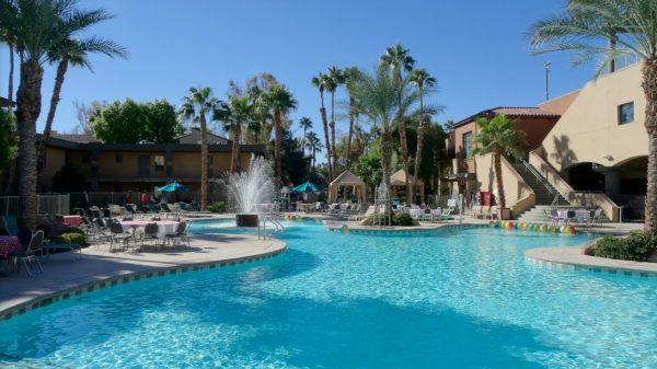alexis-park-all-suite-resort-pool1