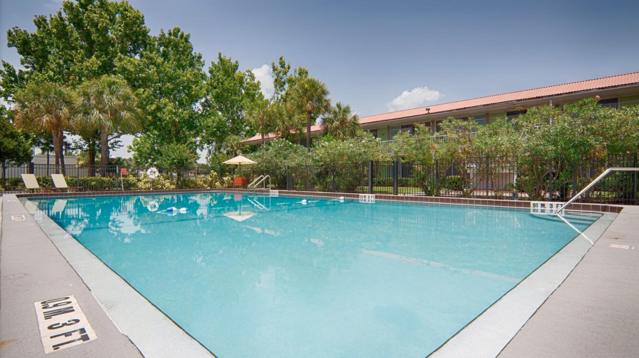 lepszy wielka wyprzedaż kody promocyjne Champions World Resort – Best Vacations Ever