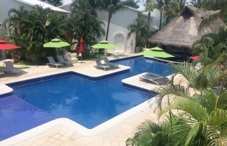 laguna-suites-pool3