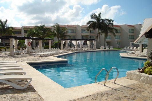 ocean-spa-hotel-cancun-pool3