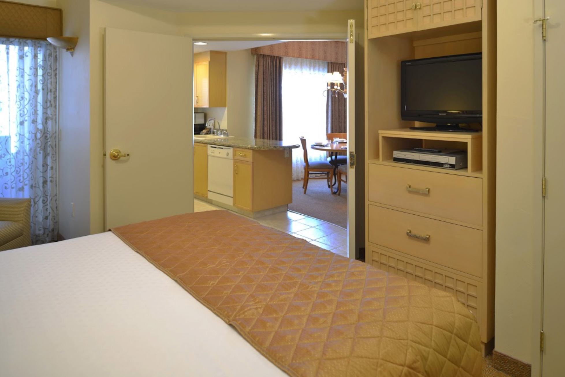 Polo Towers Las Vegas 2 Bedroom Suite Polo Towers Suites Best Vacations Ever