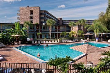 rosen_inn_international_pool