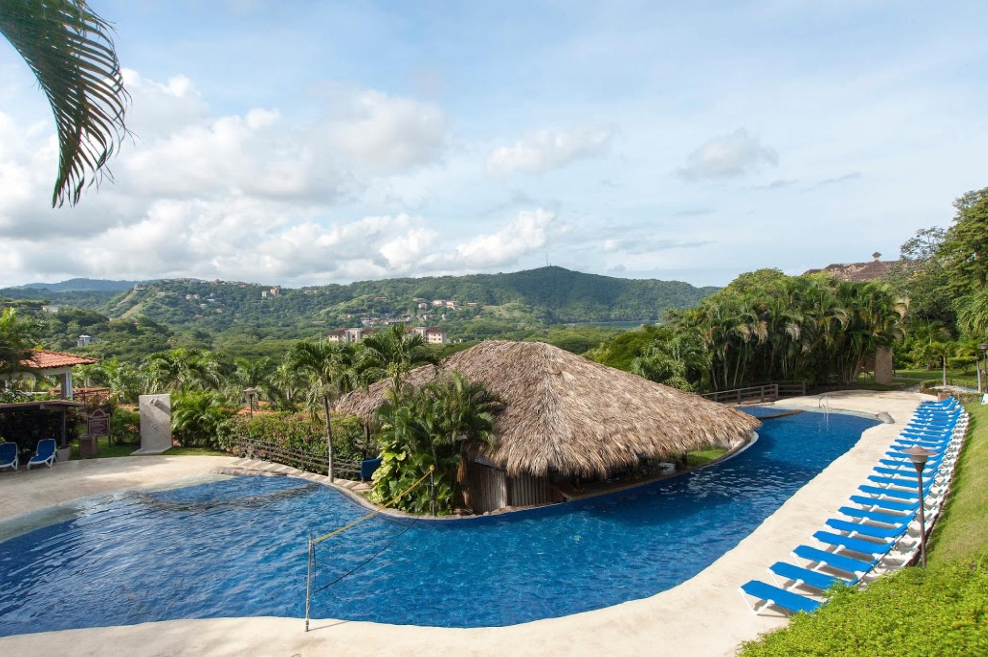 10 luxury costa rica villas route4us for Luxury villa costa rica