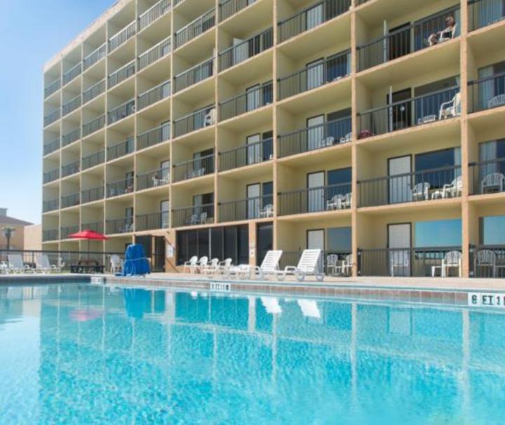 Atlantic-Cove-Daytona-Ormond-Beach-Florida-pool