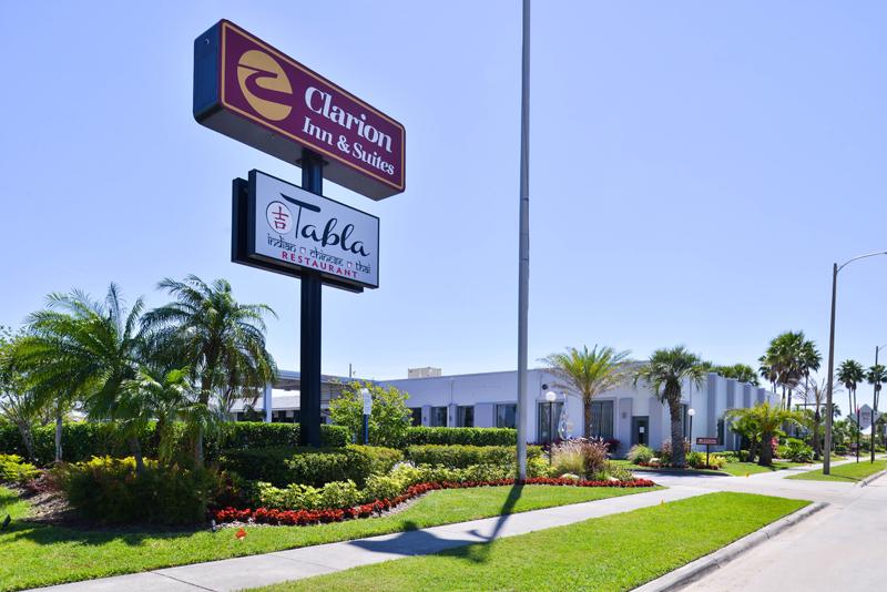 Clarion-Inn-and-Suites-Orlando-Florida-exterior