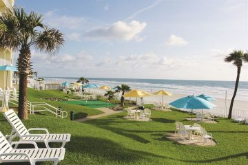 Perry's-Ocean-Edge-Resort-Daytona-Beach-Florida-indoor-beach