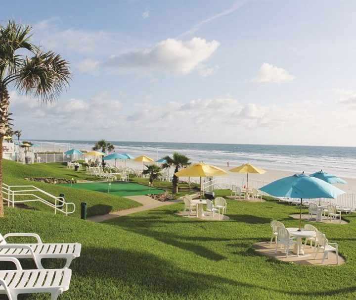 Perry's-Ocean-Edge-Resort-Daytona-Beach-Florida-indoor-beach