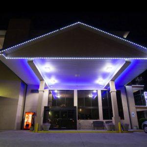 BVE_Sleep-Inn-&-Suites-Gatlinburg-night-exterior