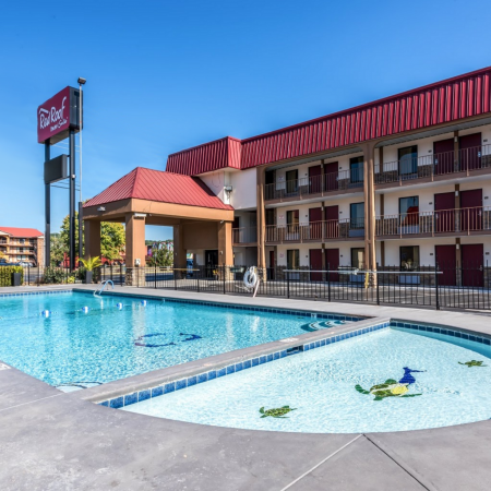 Red Roof Inn & Suites Pigeon featured